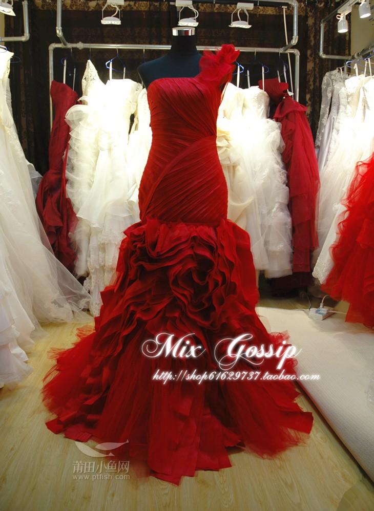 婚纱正面照素材