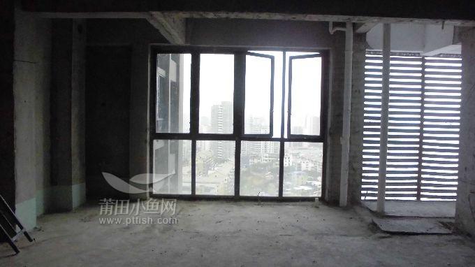 南阳台与空调房一半