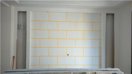 这么喜欢砖艺的古朴不花俏   餐厅背景墙是灰色砖艺   电视背景墙
