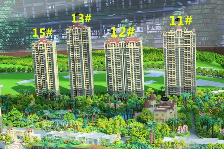 沙盘实景         据了解,恒大御景半岛住宅容积率低至1.