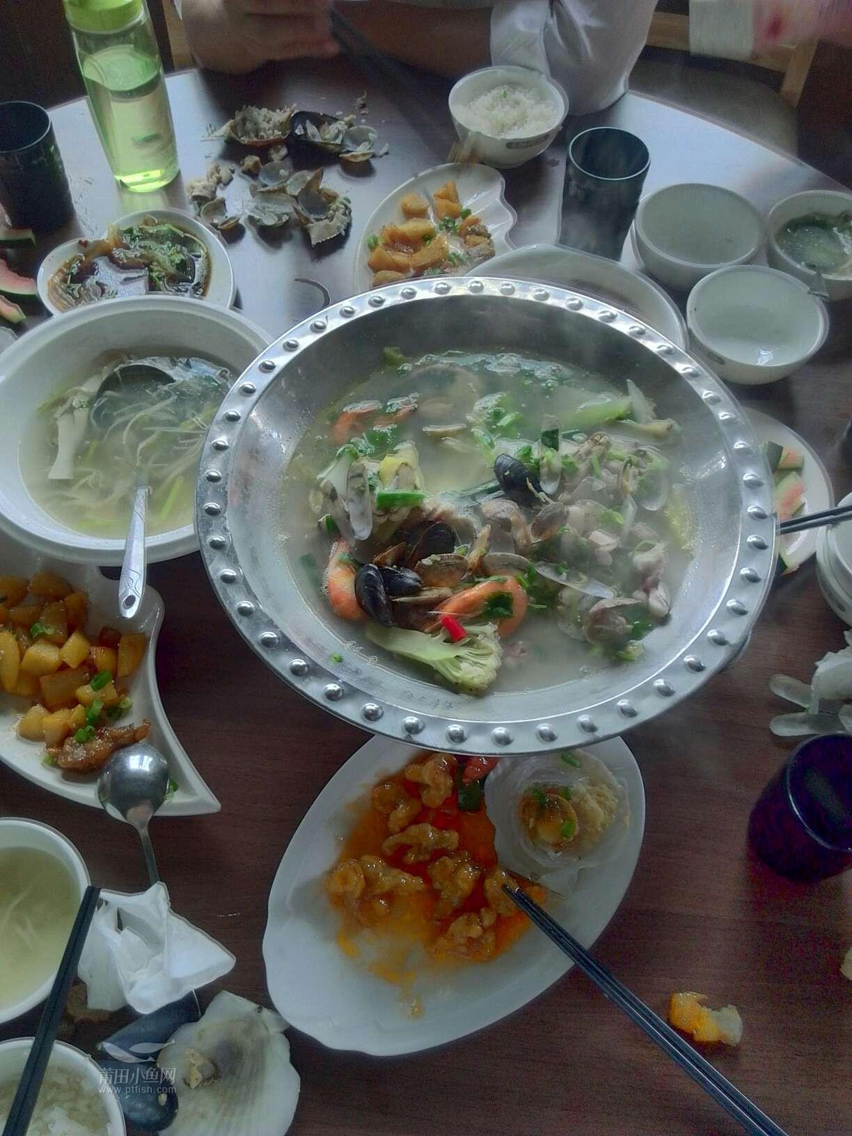 周日家庭组织小聚餐,实惠的醉排骨