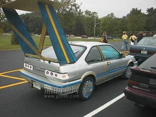 汽车尾翼到底什么作用高清图片