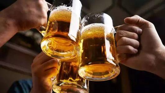 融创第二届小龙虾啤酒音乐节热力来袭!